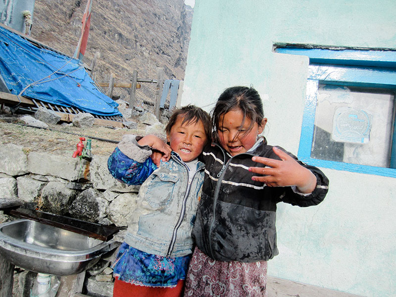 Enfants du village du Langtang