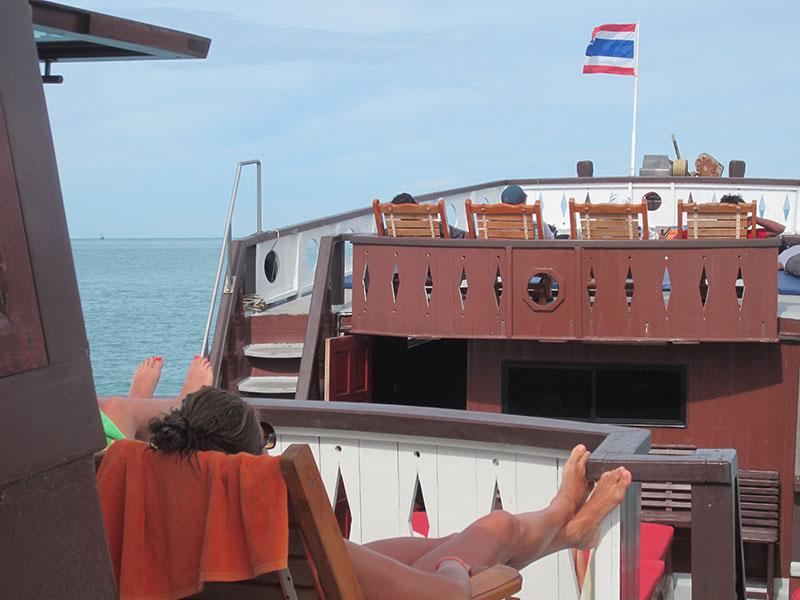 bateau angthong park