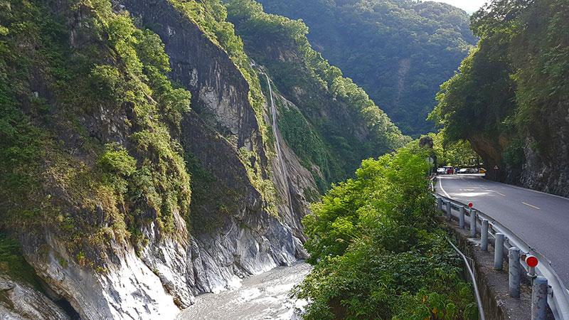 cascade Lushui Trail