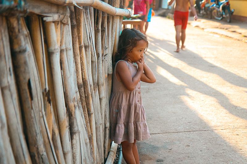 Enfant aux Philippines